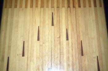 Bowling alley lane floor